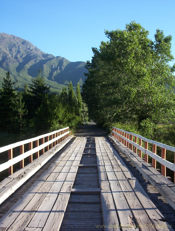 Image of a bridge on the road towards Pehuenche Pass, Colbun, Talca, Chile.